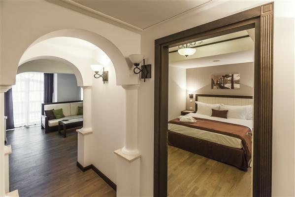 Hotel epoque un hotel de lux situat n centrul for Epoque hotel