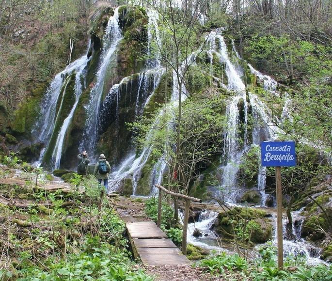 Cascada Beuşniţa - Parcul Național Cheile Nerei-Beuşniţa