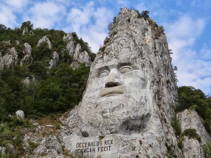 """Decebalus Rex"" - la più grande scultura in pietra in Europa, Danubio"