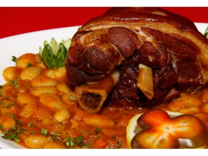 Smoked Shank with Beans - a Romanian traditional plate