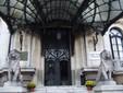 Palatul Cantacuzino din Bucureşti, intrarea