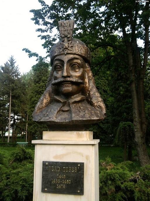Vlad Tepes statua