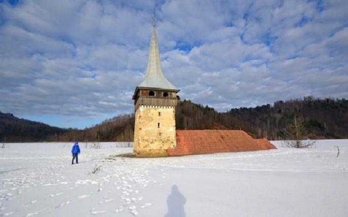 The Geamăna village - dark tourism in Transylvania