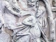 Columna lui Traian la Bucureşti - sinuciderea lui Decebal